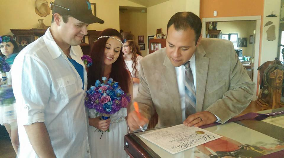 how to officiate a wedding in texas